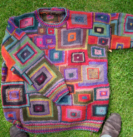 3kcbwday6 Mad Knitting Skills That Scare The Pee Out Of